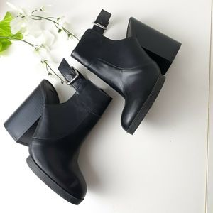 Forever 21  Leather Open Back Booties Shoes Sz 8